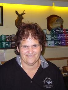 Dany McIntosh arbeitet imk Adelaide Inn, erzählt die Geschichte von Charlie the Buffalo
