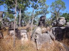 Die Steinformation erinnert durchaus an eine verlassene Siedlung.